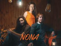 Debiutancka płyta zespołu NONA