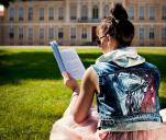 Teledysk promujący ręcznie malowaną odzież